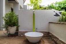 扱いやすいスリムな立水栓-サムネイル