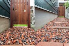 お庭の雰囲気にピッタリなブリックチップ-サムネイル